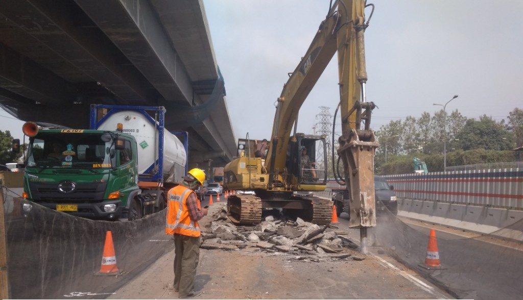 Perbaikan Jalan Tol Jakarta-Cikampek