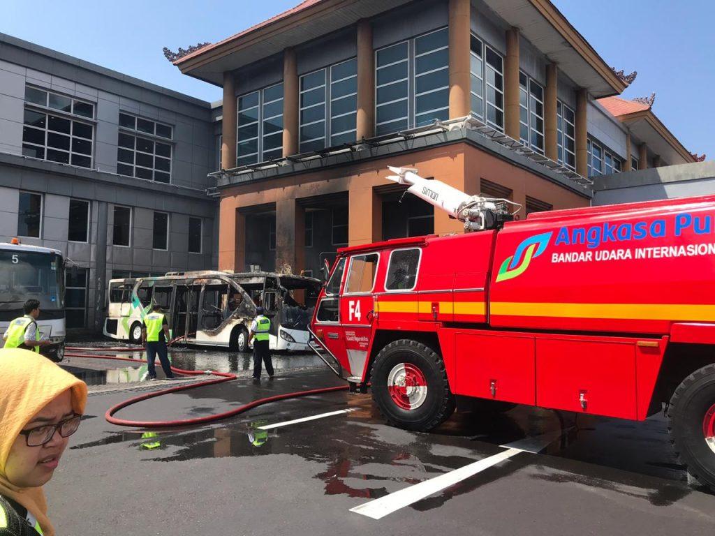 Kebakaran Bus Apron bandara