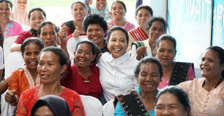 Photo of Menteri Rini: Nasabah Mekaar Jadi Kekuatan Baru Ekonomi Indonesia