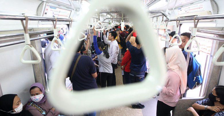 Photo of Hindari Kepadatan, PT KCI Ajak Pengguna Atur Waktu Perjalanan