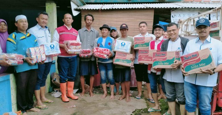 Photo of Jemput Bola, Pertamina Salurkan Bantuan Kepada Korban Banjir Bekasi dan Tangerang