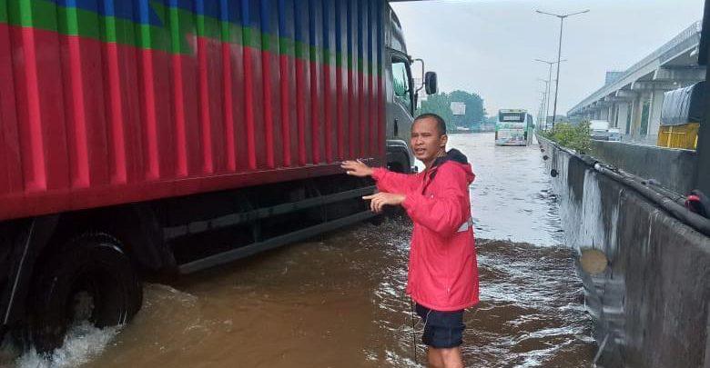 Photo of Ini Titik Genangan di Jalan Tol Milik Jasa Marga