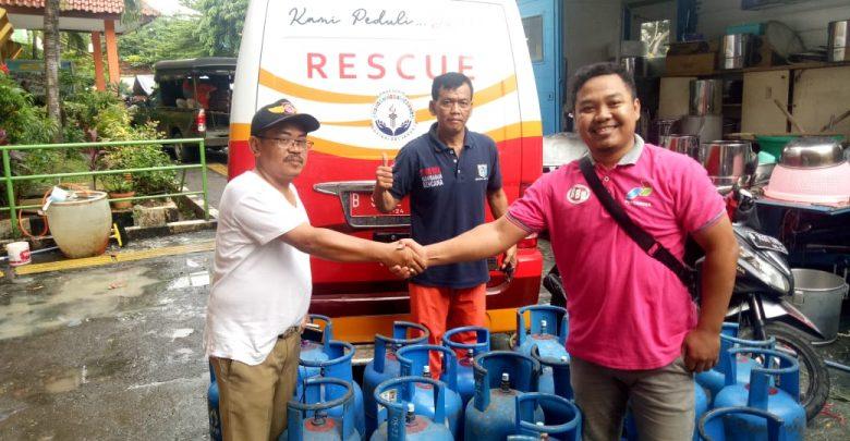 Photo of Pertamina Bantu Tabung LPG di Posko Dapur Umum Banjir Jakarta