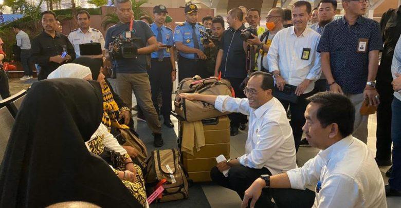 Photo of PT Angkasa Pura II Asistensi Jemaah Umrah yang Gagal Berangkat di Bandara Soetta