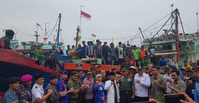 Photo of Sebanyak 900 Nelayan Diberangkatkan ke Natuna, Perum Perindo Jadi Offtaker