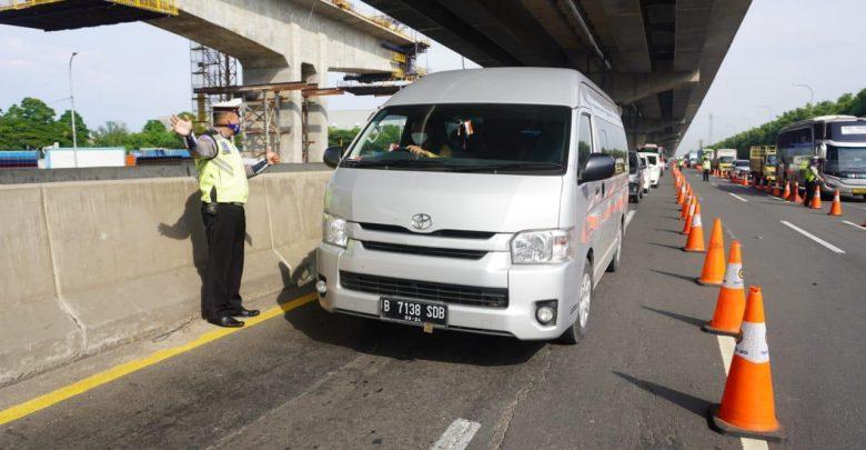 Photo of Hari Pertama #DilarangMudik, Jasa Marga: Kendaraan Keluar Jakarta Via Tol Turun Hingga 59 Persen