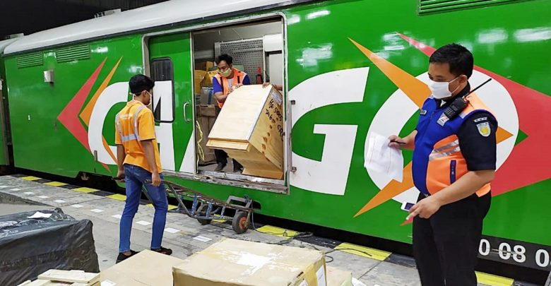 Photo of Jelang Idul Fitri, KAI Siapkan Layanan Khusus Angkutan Barang