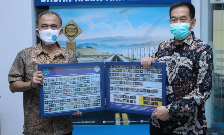 Photo of Gagalkan Penyelundupan Sabu, Personel Avsec Bandara Sultan Syarif Kasim II Dapat Penghargaan