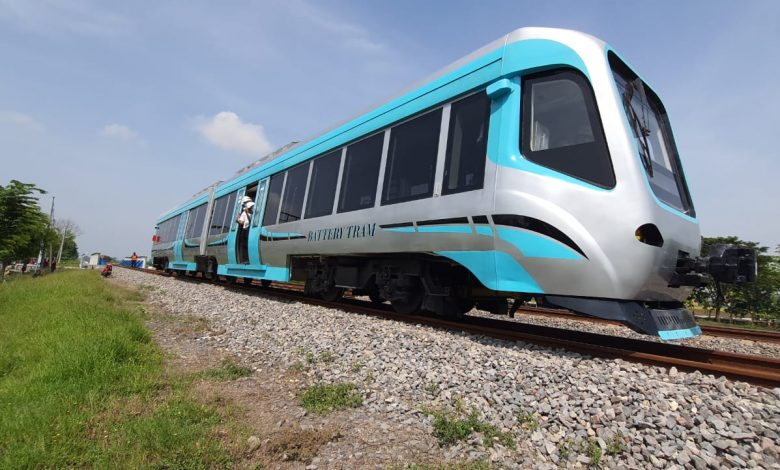 Photo of INKA Lakukan Uji Prototipe Tram Baterai