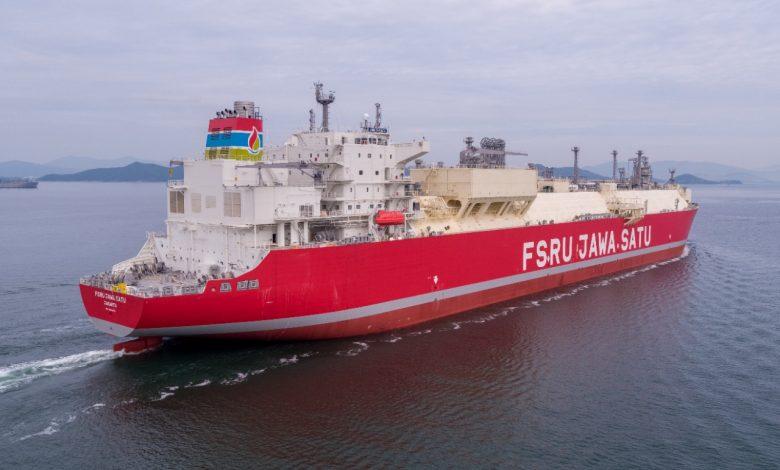 Photo of 'FSRU Jawa Satu' Datang Januari, Pertamina Targetkan Operasi Komersial Desember 2021