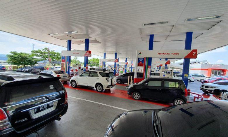 Photo of Konsumsi BBM di SPBU Tol Trans Jawa Naik Hingga 400 Persen Saat Libur Natal