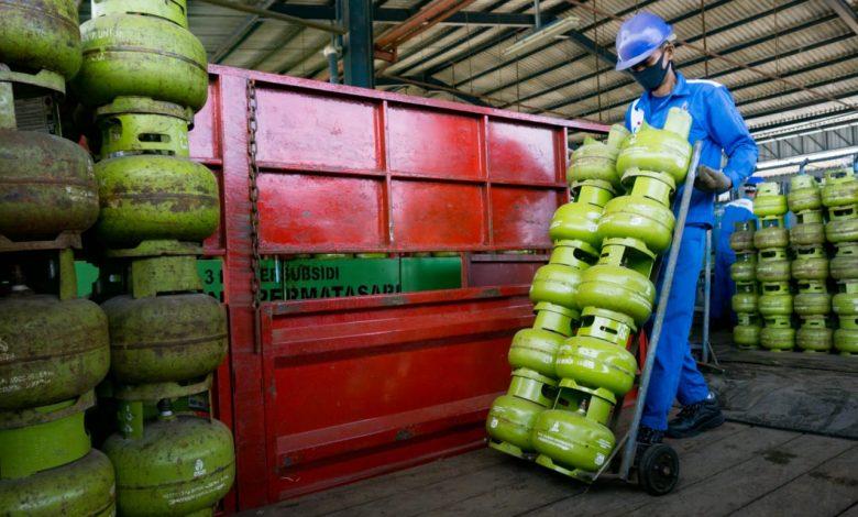Photo of PPKM Jawa Bali, Pertamina Amankan Stok BBM LPG dengan Prokes Ketat