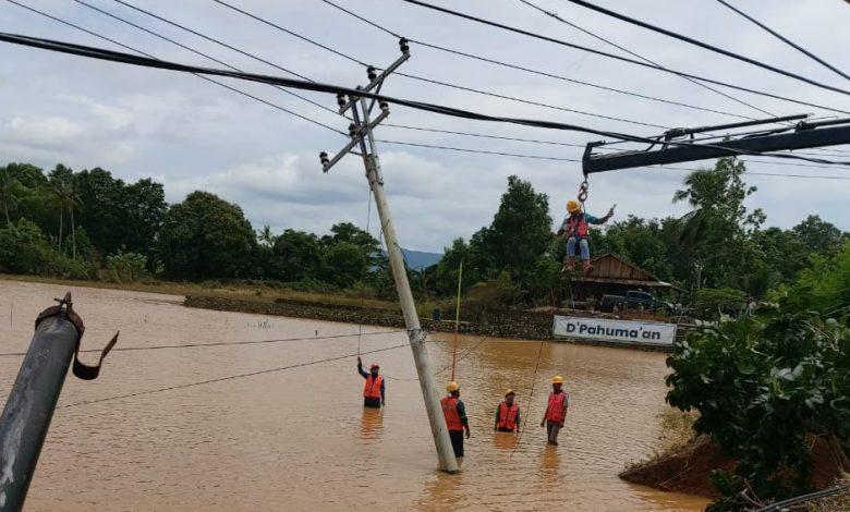 Photo of Banjir Manado, PLN Terjunkan 138 Personil Nyalakan 795 Gardu Distribusi